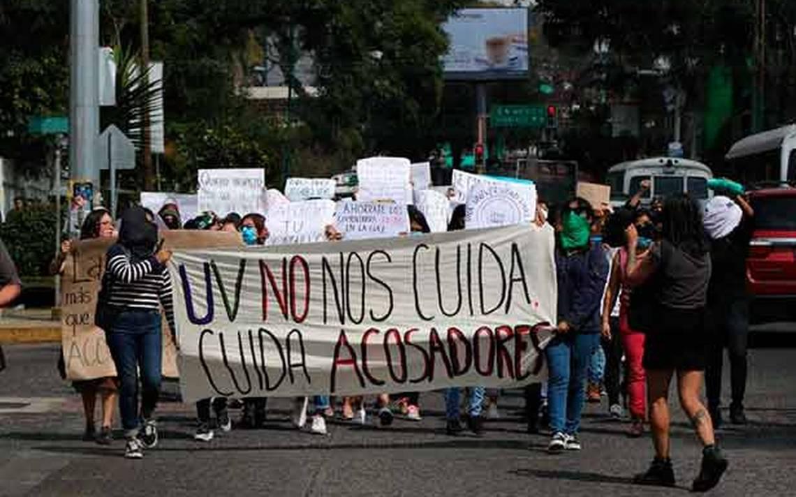 [Video] Protestan en Xalapa en contra del acoso sexual en la UV - Diario de Xalapa