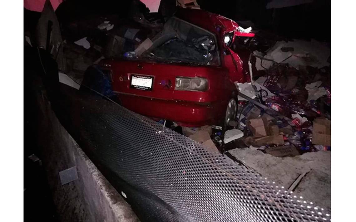 Tractocamión aplasta a Tsuru: hay 6 muertos en la Xalapa-Perote - Diario de Xalapa
